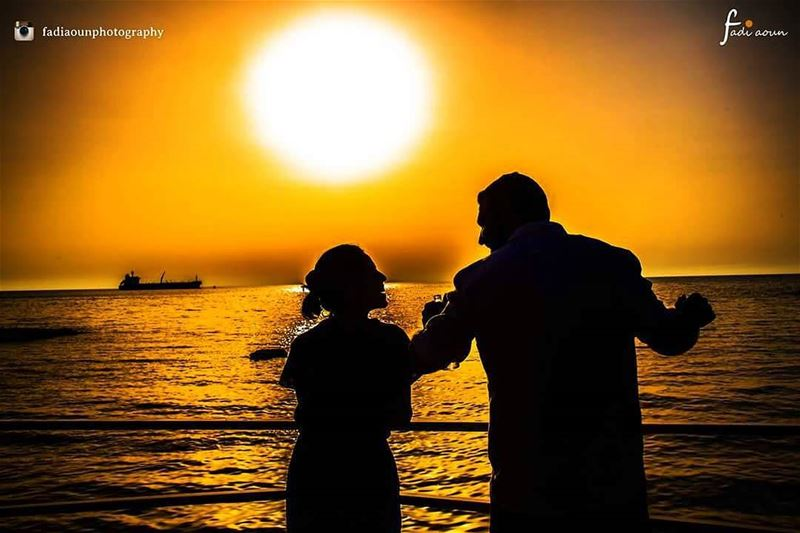 photo  fadiaounphotography  sunset  photoshooting  couplegoals  seascape ...