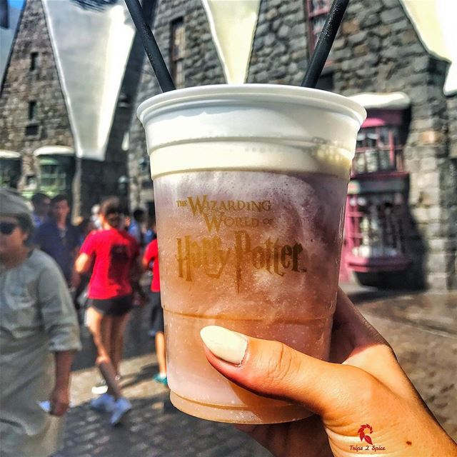 BUTTERBEER is heaven 🍺😍-------------------------📍 @unistudios .------ (The Wizarding World of Harry Potter at Universal Studios Hollywood)