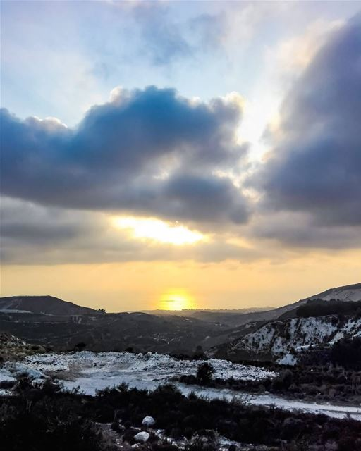 Close your eyes, Clear you heart and Let it go..... sun  sunsetporn ... (Afsadik, Liban-Nord, Lebanon)