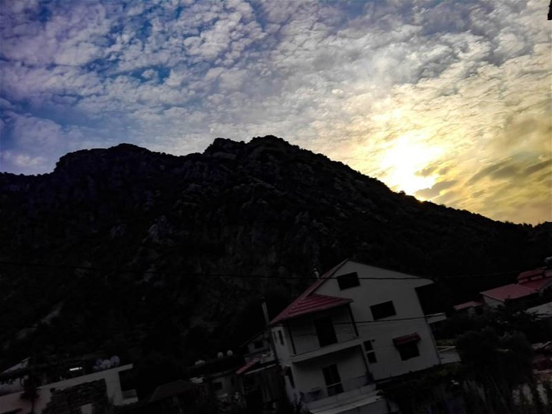 Collect moments not things..... sun  sunsetporn  beautiful  beauty ... (Tannurin At Tahta, Liban-Nord, Lebanon)