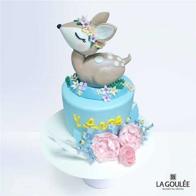 @la.goulee -  One of our cutest themes for birthday or baby shower cakes... (La Goulee)