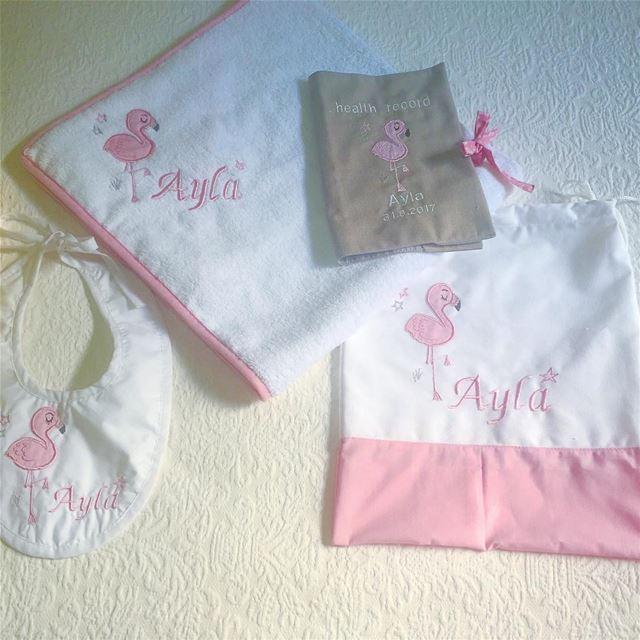 Think pink 👛new born set! Write it on fabric by nid d'abeille  baby  girl...