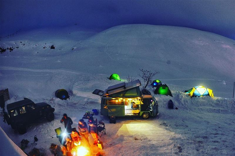 That extreme cold night where everyone was stuck next to the bonfire all... (Téléskis des Cèdres - Cedars Ski Resort - Arz)