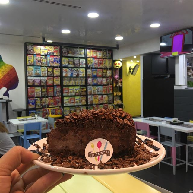 Morning chocolate cake with lots and lots of poppins 😋😋 @poppinsofficial... (LeMall)