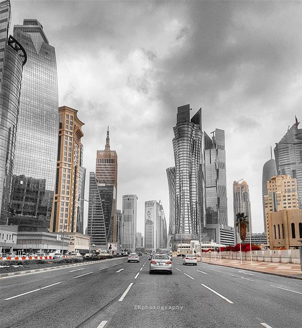 Doha City 🇶🇦..Have a great weekend 😊 * amazing_qatar  qatarism ... (Doha)