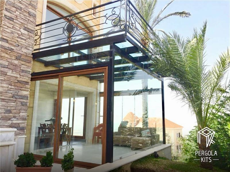 Have You Ever Tried Walking On A Pergola?  GlassFlooring ... (Nabatîyé)