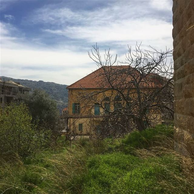When the memories hit you...... village  oldhouse  traditional ... (Baskinta, Lebanon)