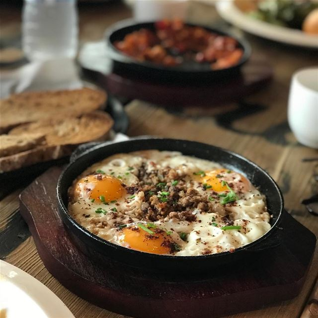When all you want for breakfast is 🍳🥚🍳 @meatsandbread.lb 💛🥚💛 photo... (Meats and Bread)