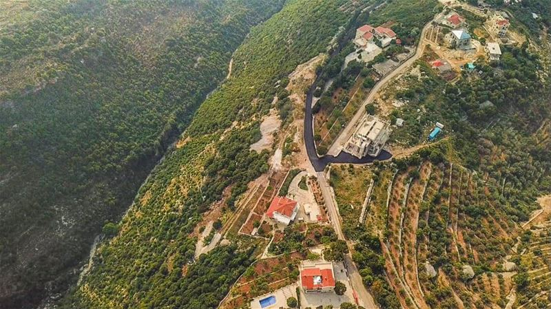 A hidden gem in the north, in mount lebanon specifically. Beauty from... (Dahr Abi Yaghi, Mont-Liban, Lebanon)