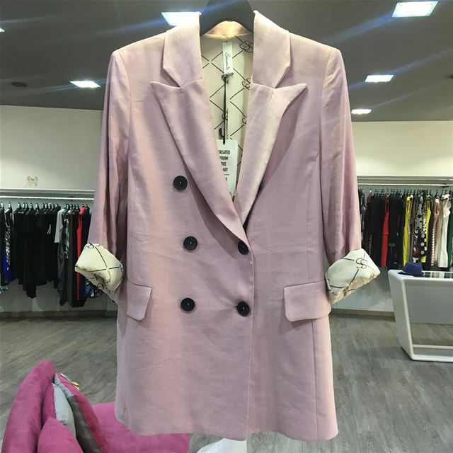 New Light Pink Blazer that will keep you cool in an hot weather ... (Er Râbié, Mont-Liban, Lebanon)