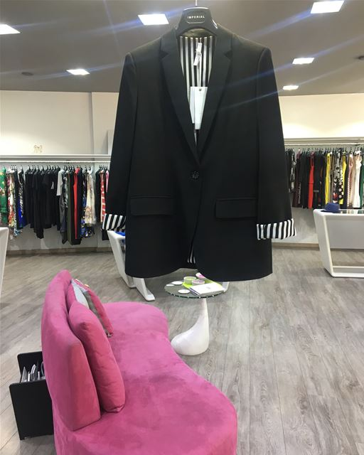 Black blazer with b&w liningDailySketchLook 302 shopping  italian ... (Er Râbié, Mont-Liban, Lebanon)
