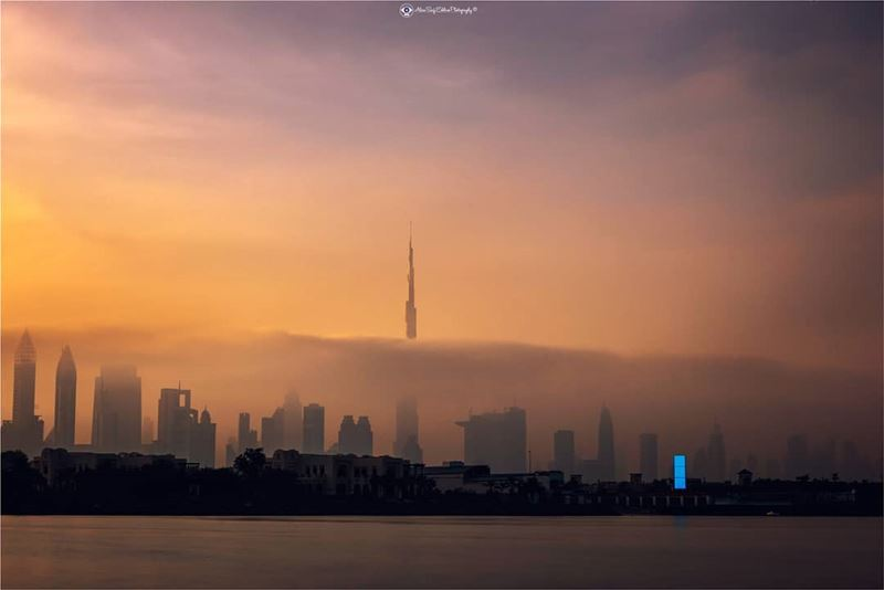 Burj khalifa between the clouds.One of the compositions that illustrates... (Burj Khalifa)
