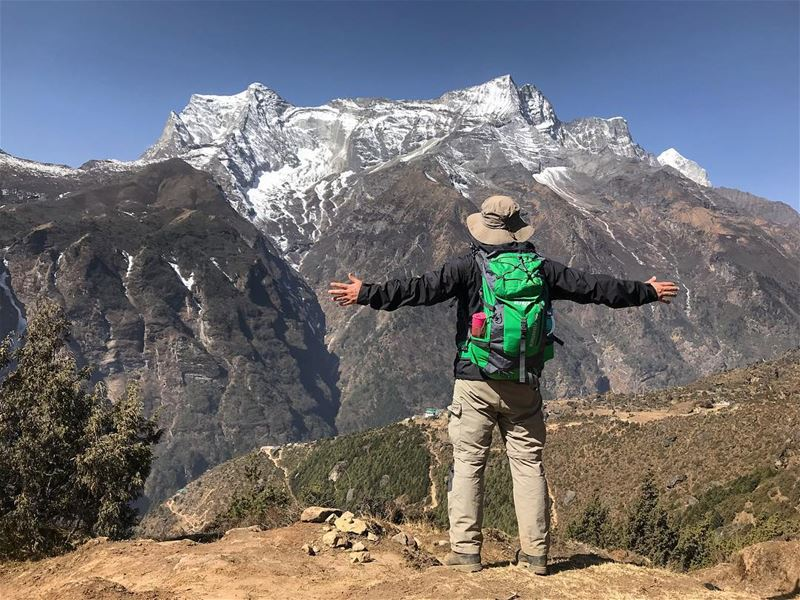 Hiking and happiness go hand in hand‼️‼️.................... (Nepal)