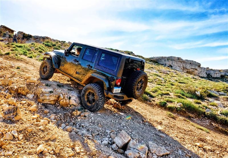 O|||||||O Her  lebanon  she  jeeps  mountains  jeep  offroad  wrangler ...