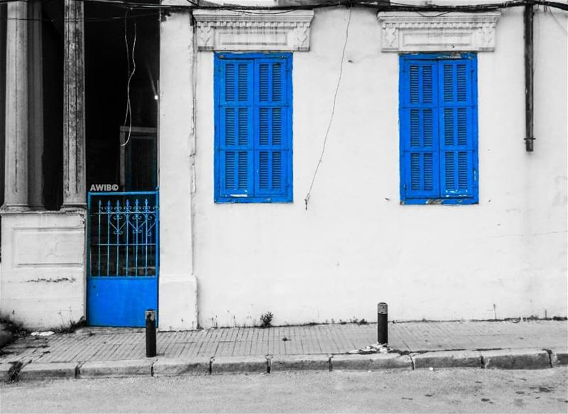 blue  windows  street  streetphotography  awandererinbeirut  picoftheday ...