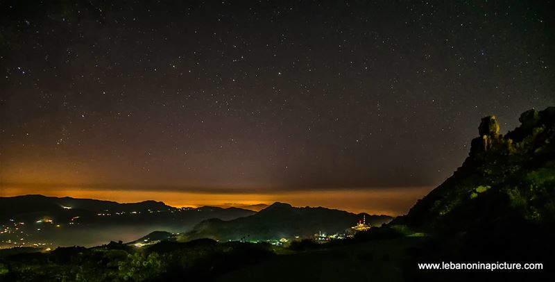 It's so amazing to watch the stars from the clear skies of Akoura... (Saydet el Qarn)