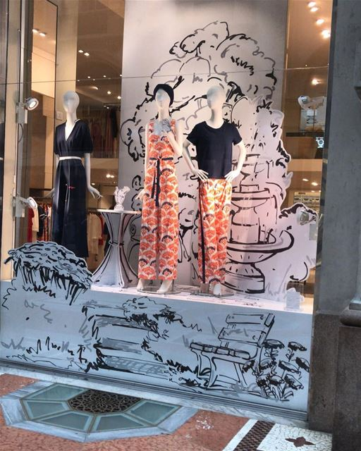 Beautiful display in Milan DailySketchLook 330 shopping  italian ... (Milan, Italy)