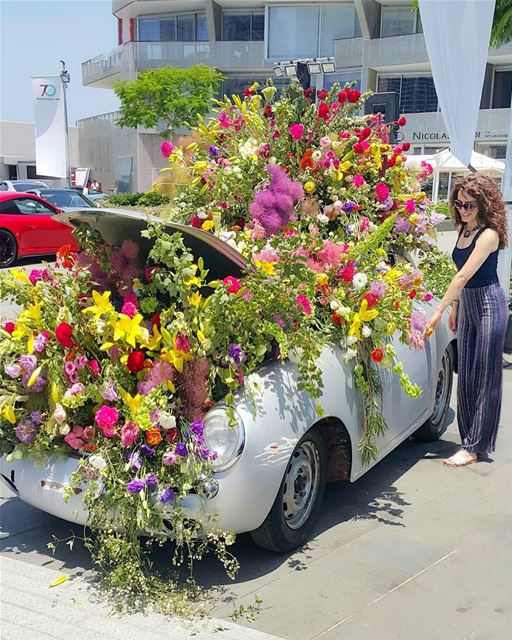 Let's go for a  floral ride 💐💖🌼💮🌹🌸 (Saint George Yacht Club & Marina)