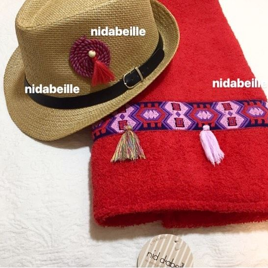 Lady in red 💃 Write it on fabric by nid d'abeille  red  lady ...