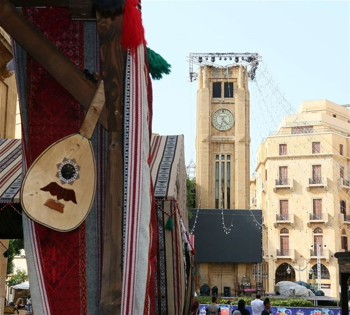 It is time for the Eid... I guess all Lebanese will be playing the Oud and... (Downtown Beirut)