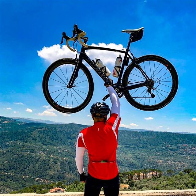 "Always make a total effort, even when the odds are against you."" 🌄🚵☀️. 📷 (El Qâaqoûr, Mont-Liban, Lebanon)"