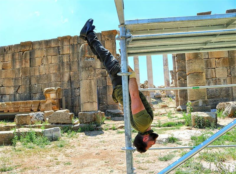 I see bars and just can't help it! Some workout won't hurt even on road... (Ruins Faqra Kfardebian)