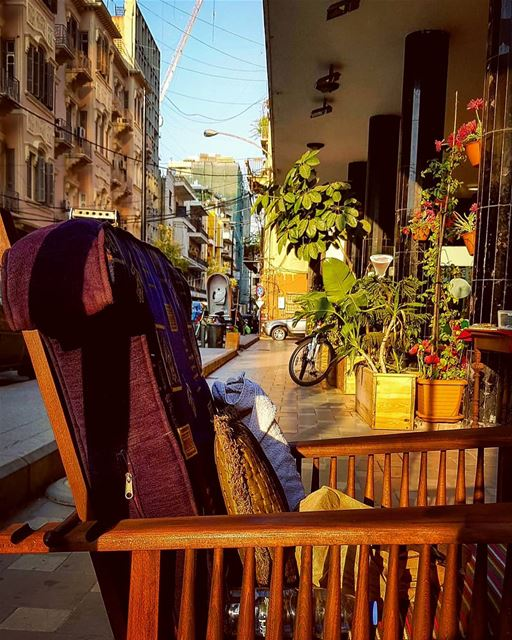 Whom you left your Chair For,,Dear Storyteller....🏃‍♀️🍃🍃🍃 thechair... (Beirut, Lebanon)